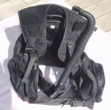 pictures of scuba gear - buoyancy compensator