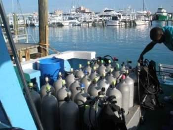 Nassau scuba dive boat