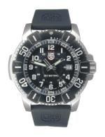 Scuba diving watch with bezel.