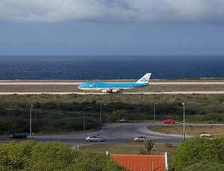 flights to curacao; curacao airport